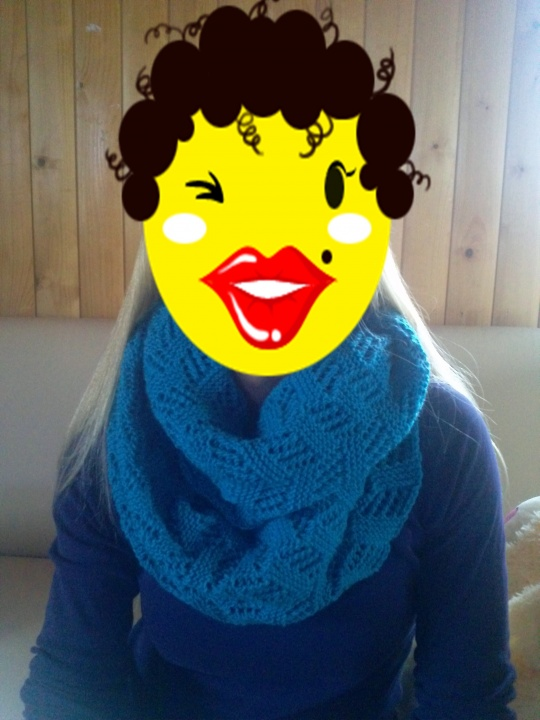 Knitted scarf picture no. 2