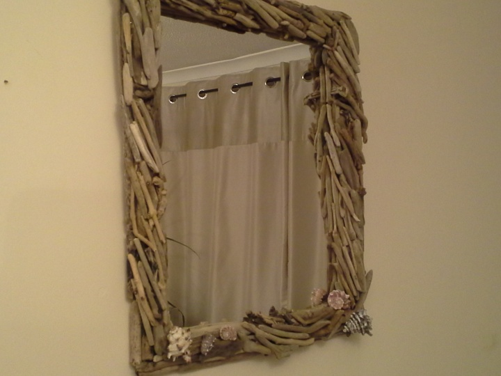 "Mirror with "" & quot driftwood; heartburn. picture no. 2"