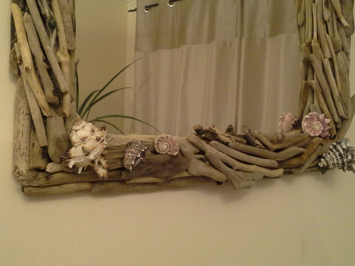 "Mirror with "" & quot driftwood; heartburn. picture no. 3"