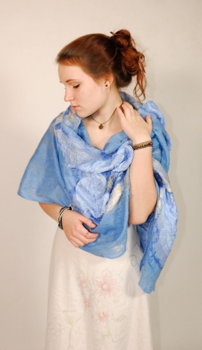 "felted  blue scarf "" touch"" picture no. 2"
