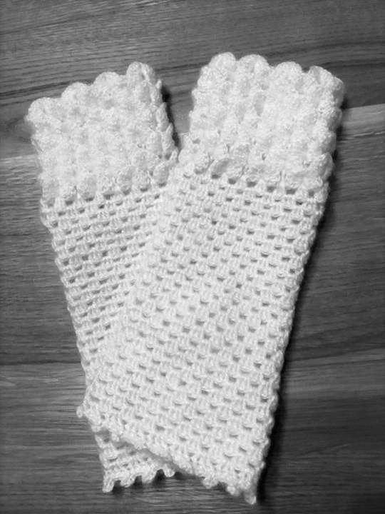 Fingerless gloves white picture no. 2