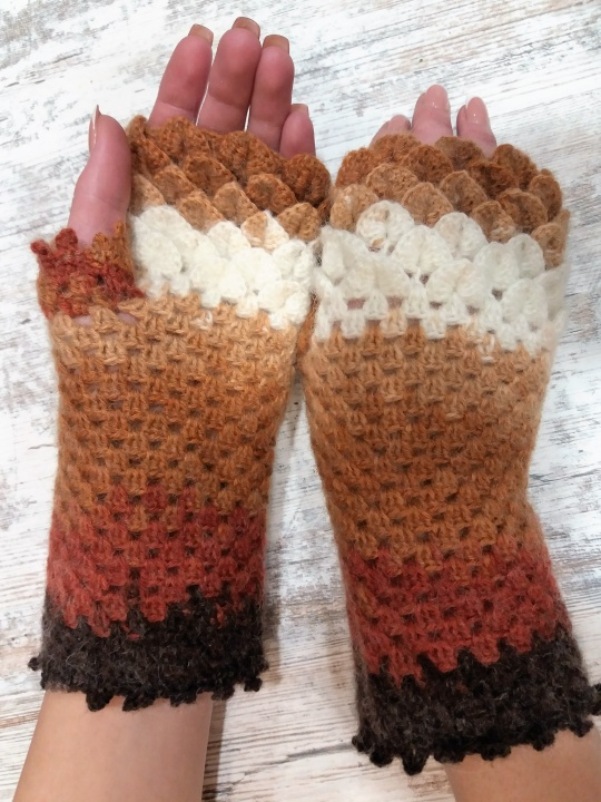 Fingerless gloves braun picture no. 2