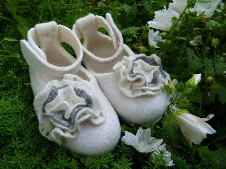 "Girl Christening shoes, ""childhood"""