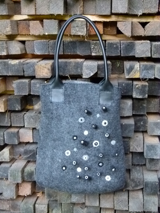"Felted grey handbag ""hint"""