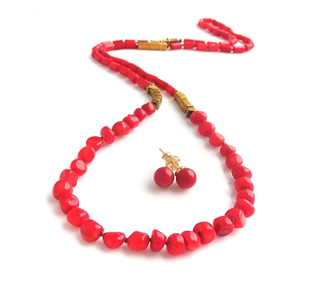 Red corals and Gold complect picture no. 2