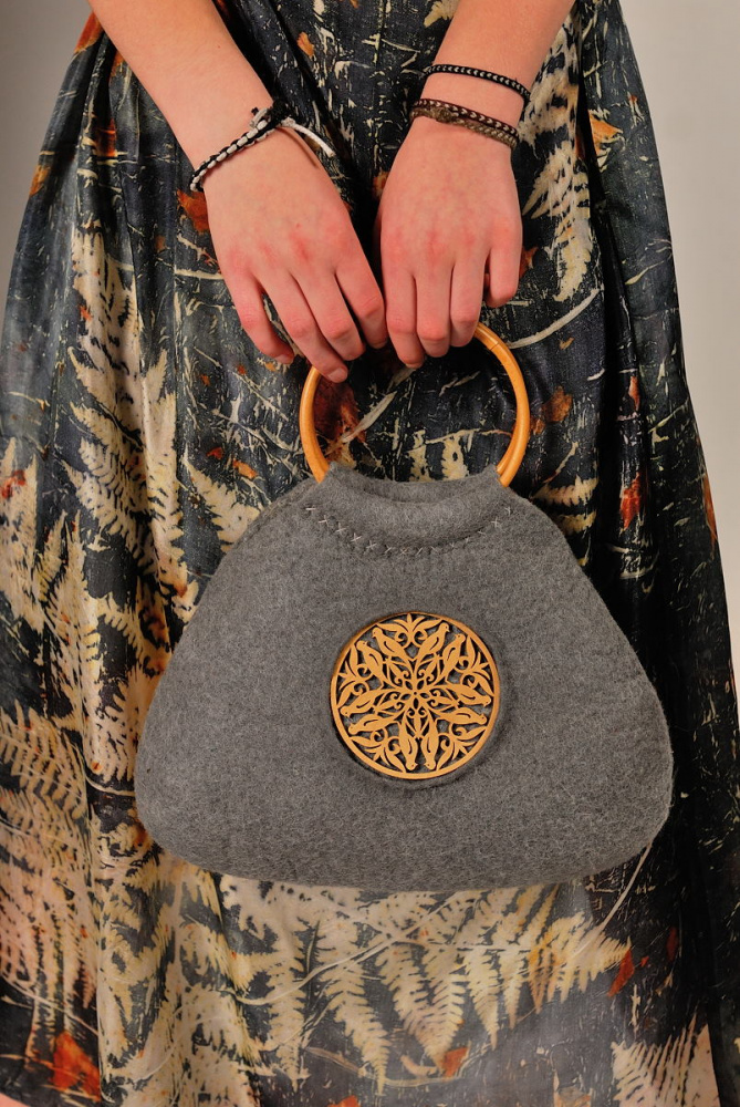 "felted handbag "" gyre"""