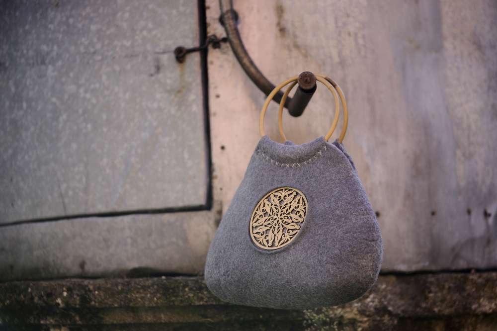 "felted handbag "" gyre"" picture no. 2"