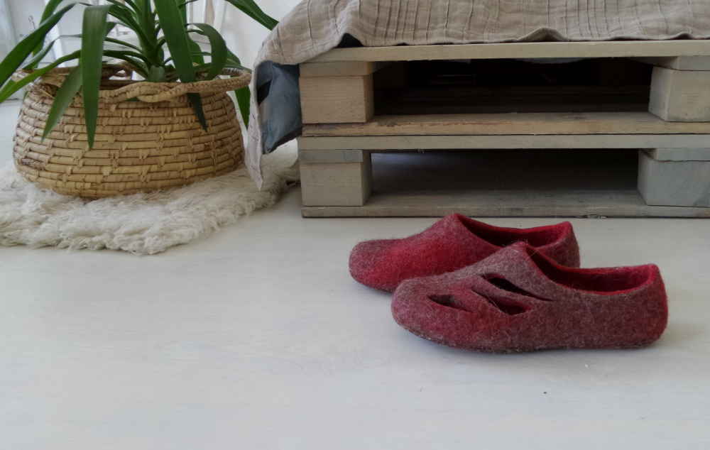 Red and grey Womens wool slippers Open Ombre home shoes