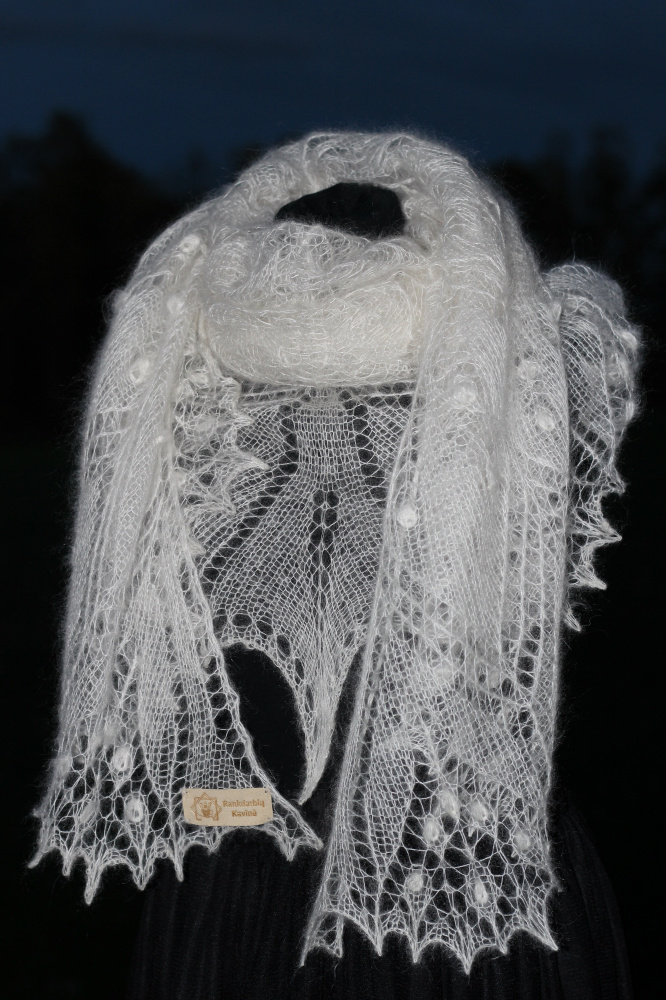 "Shawl ""Aeolian"" picture no. 2"