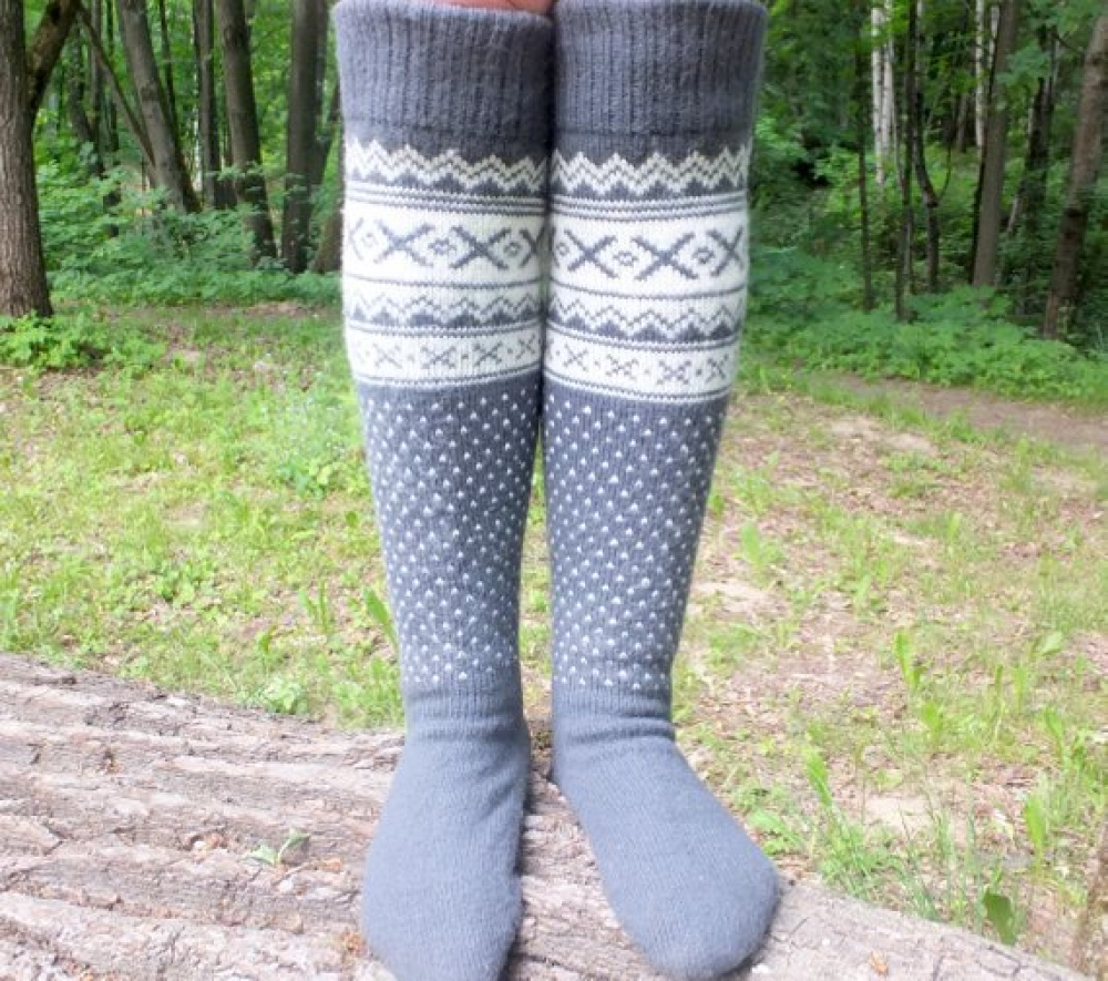 Long wool socks with patterns.