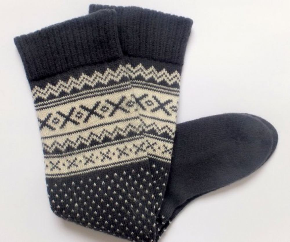 Long wool socks with patterns. picture no. 3
