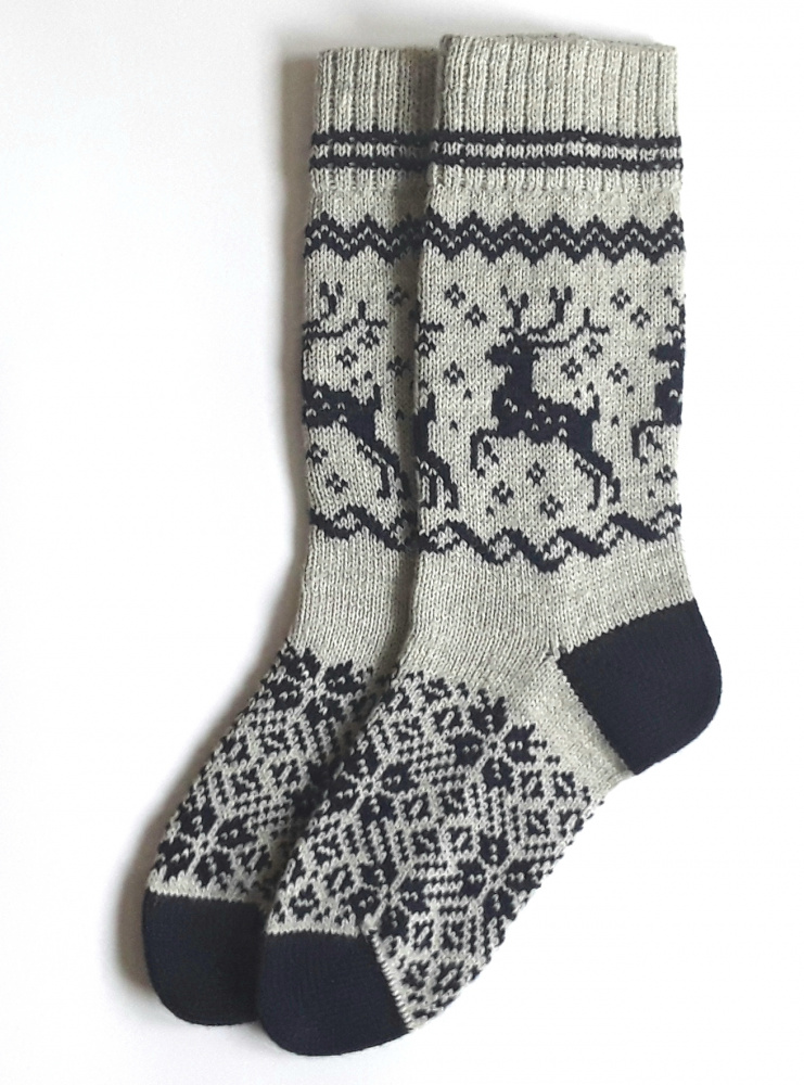 Gray wool socks with Deer picture no. 3