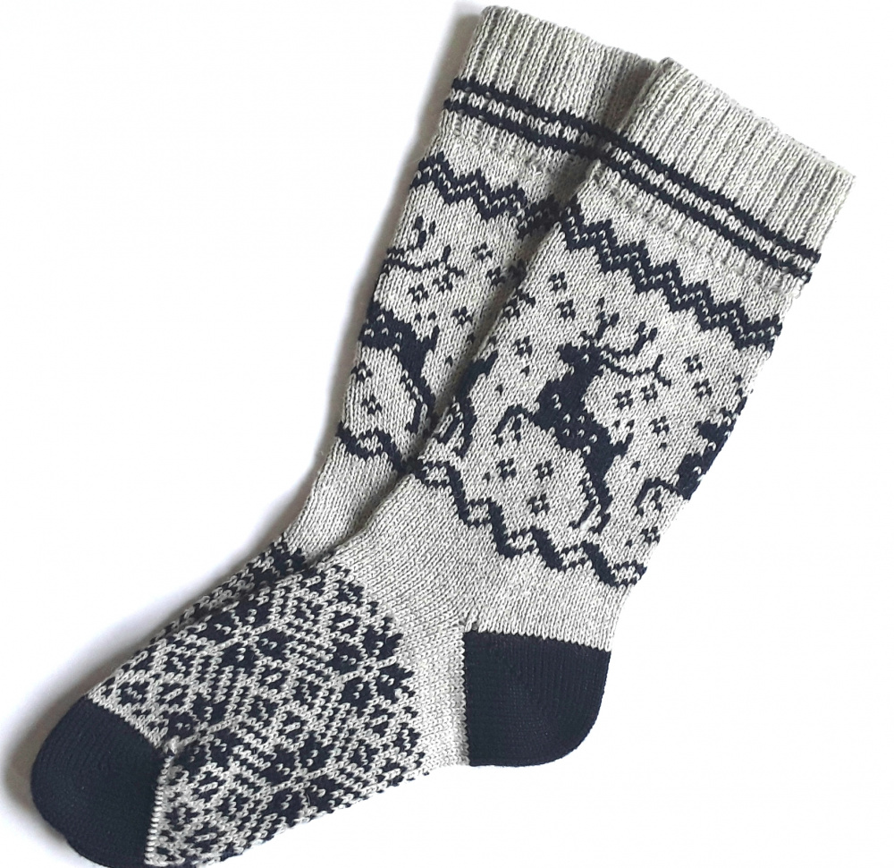 Gray wool socks with Deer picture no. 2