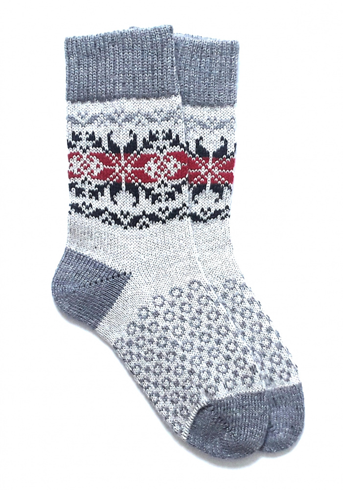 Gray wool socks with patterns
