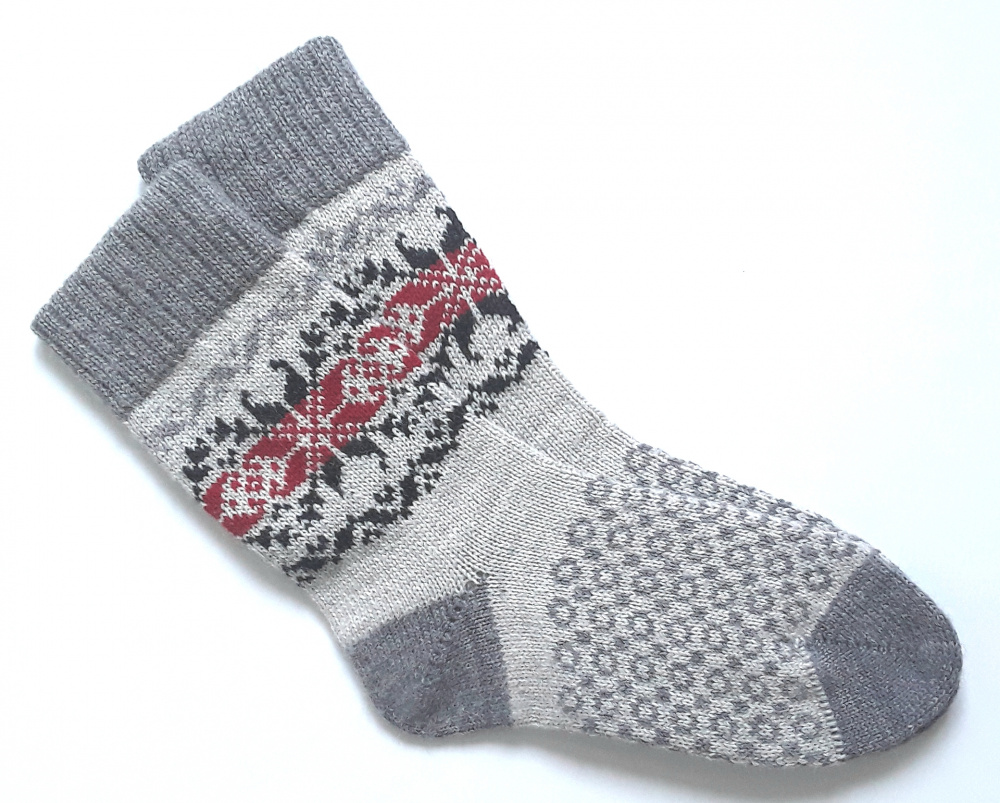 Gray wool socks with patterns  picture no. 2