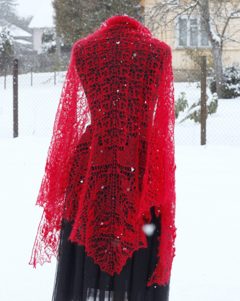 "Shawl ""Christmas Tales""  picture no. 2"