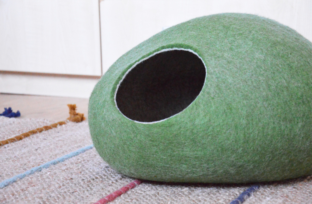 Olive green color pet bed