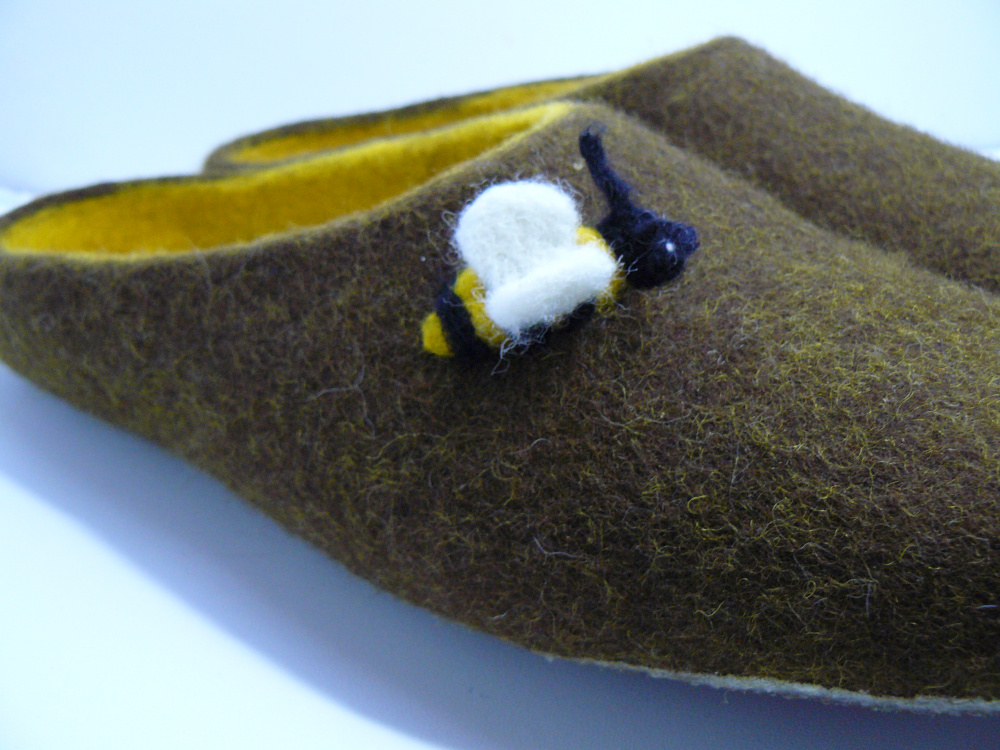 Handmade felted slippers. Non slippery sole. picture no. 3