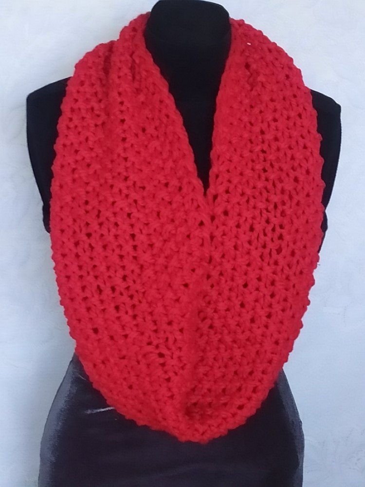 Red dubble wrapped scarf