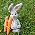 Bunny brooch - Accessories - felting